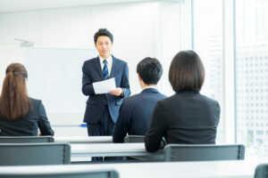 中間管理職の教育を外部研修会社で実施