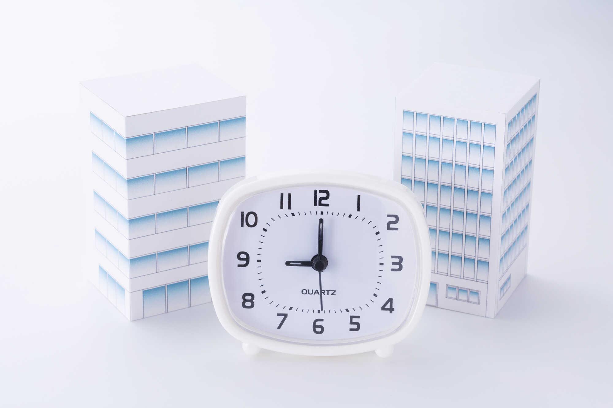 会社でフレックスタイム制を導入するポイント 就業時間と就業規則