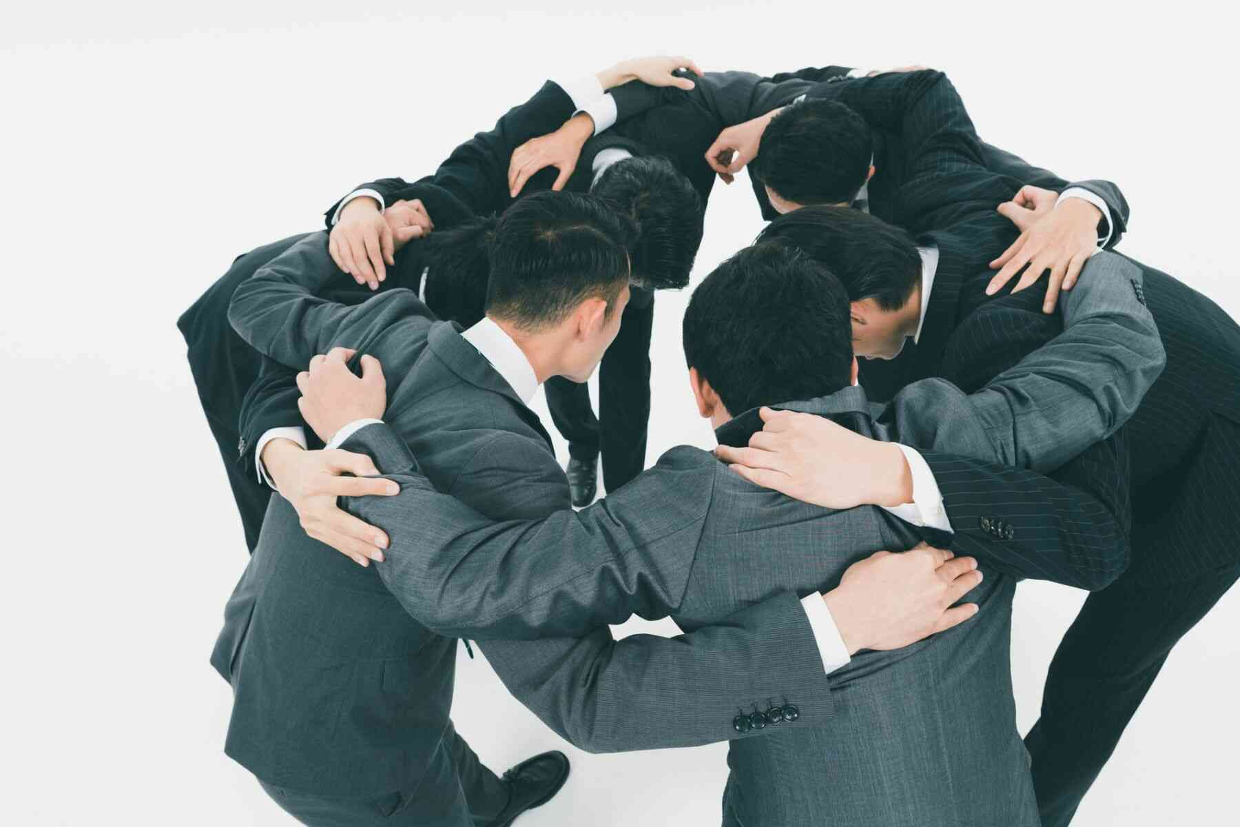 団結するビジネスマン