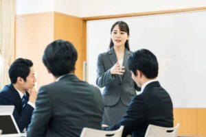 MTGでリーダーシップを発揮する女性